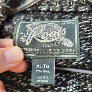 Roots zip up cardigan size xl unisex